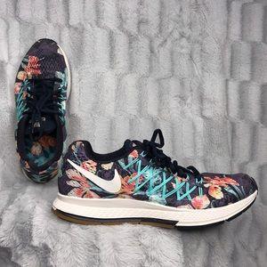 best service e5a26 c9e93 Women Nike Photosynthesis on Poshmark